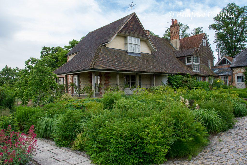 Terrasse von Bury Court mit Blick in den Walled Garden