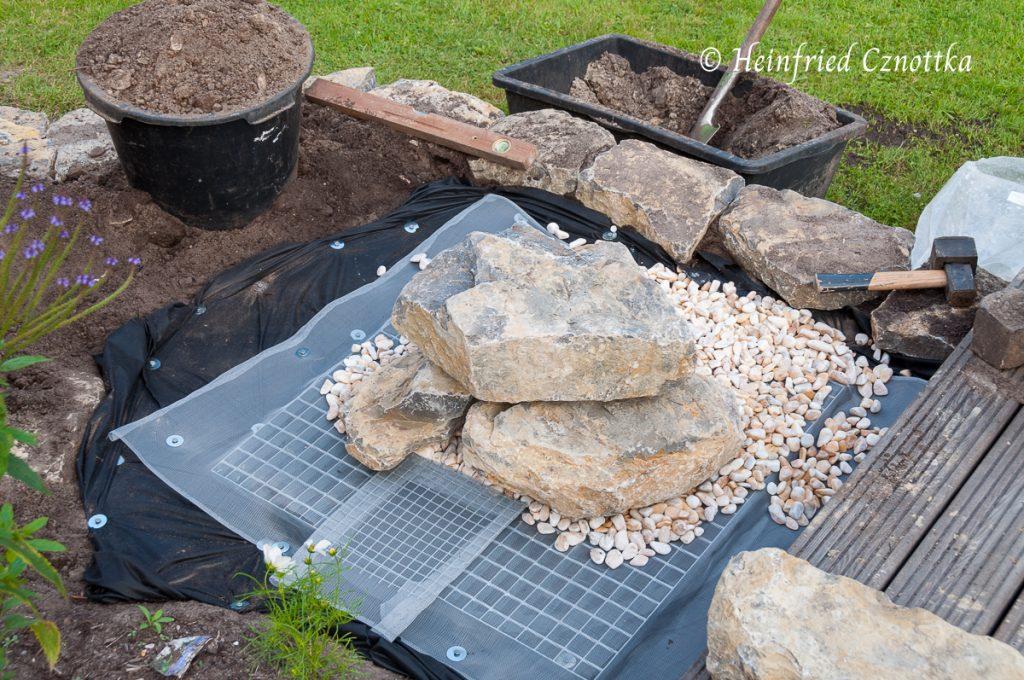 Natursteine für den Brunnen