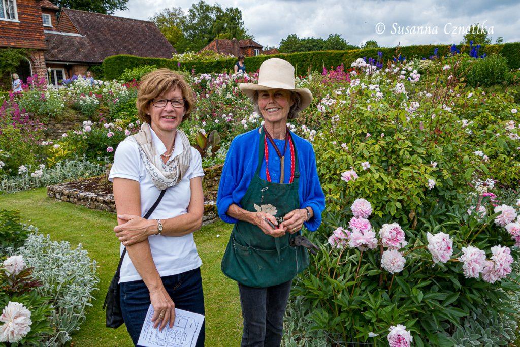 Mit Rosamund Wallinger in ihrem Garten
